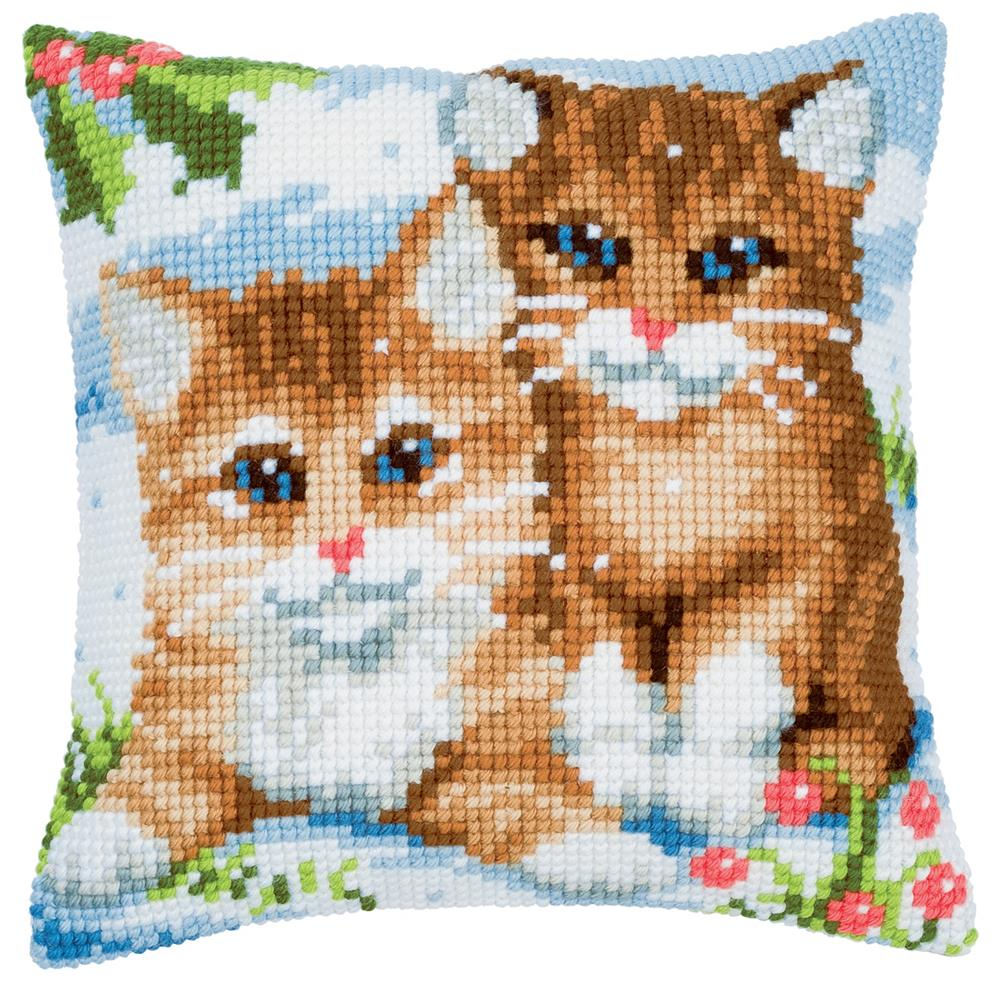 Vervaco Winter Kittens Cushion Christmas Cross Stitch