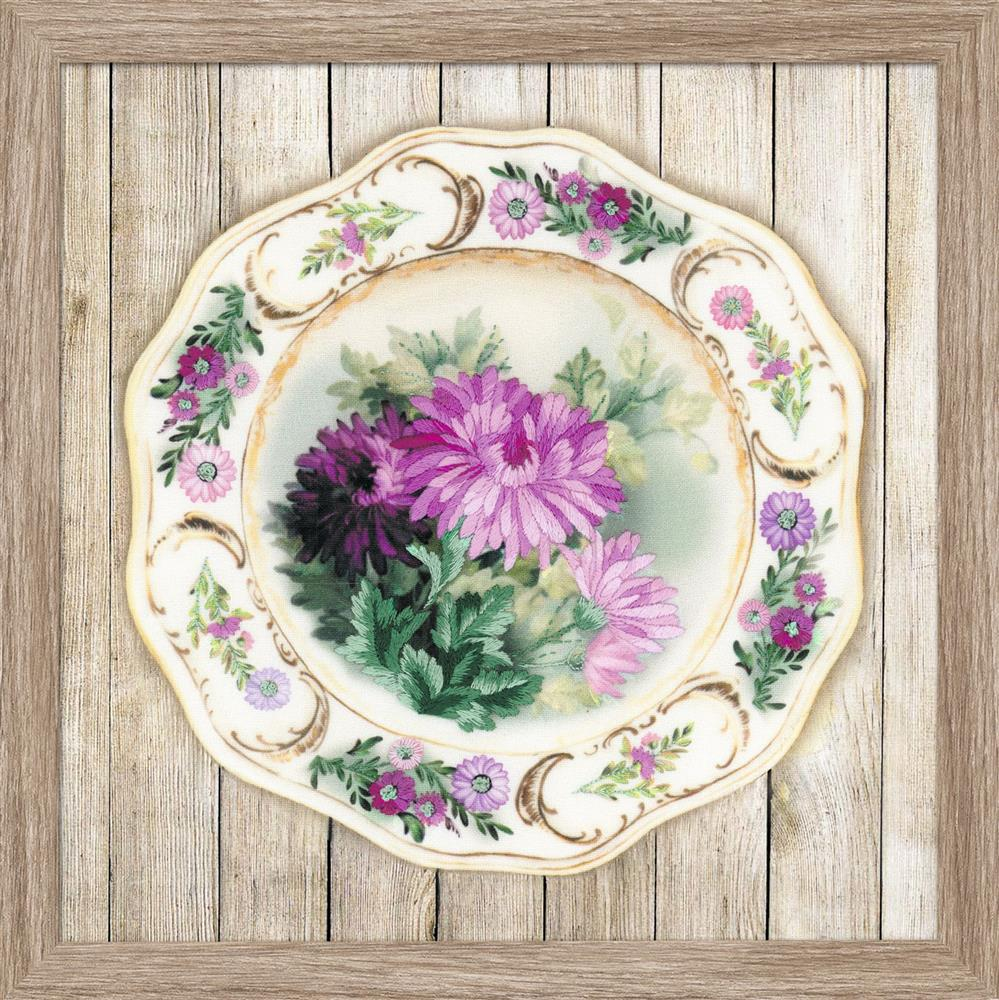 RIOLIS Chrysanthemum Plate Satin Stitch Embroidery Kit