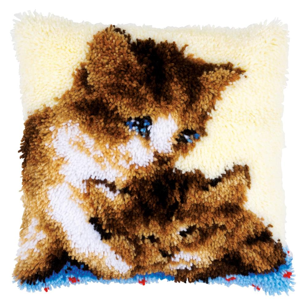 Two Cats Cushion -  Latch Hook Cushion Kit