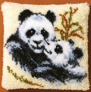 Pako Two Pandas Latch Hook Rug Kit