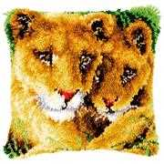 Lioness and Cub Cushion - Vervaco Latch Hook Kit