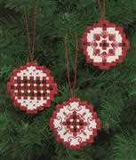 Red Bauble Tree Decorations - Permin Embroidery Kit
