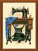 Cat with Sewing Machine - RIOLIS Cross Stitch Kit