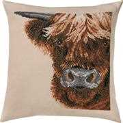 Highland Cow Cushion - Permin Cross Stitch Kit