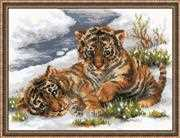 RIOLIS Tiger Cubs in Snow Cross Stitch Kit