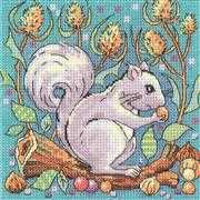 Grey Squirrel - Evenweave - Heritage Cross Stitch Kit