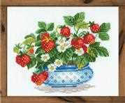 RIOLIS Basket of Strawberries Cross Stitch Kit