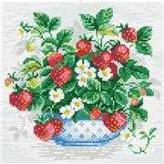 RIOLIS Basket of Strawberries Craft Kit